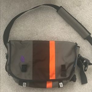 Timbuk2 messenger bag in medium